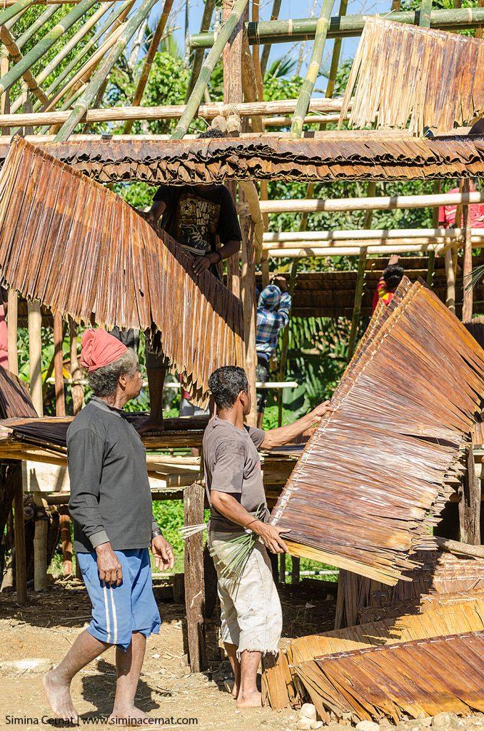 Constructia unei case in Huaulu